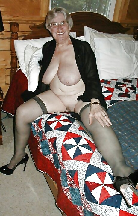 Pussy Housewives 107