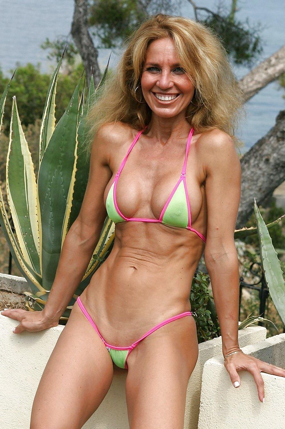 zrelaya-bikini