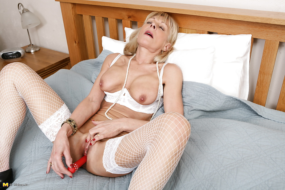 Very old granny still love pervert sex amateur older